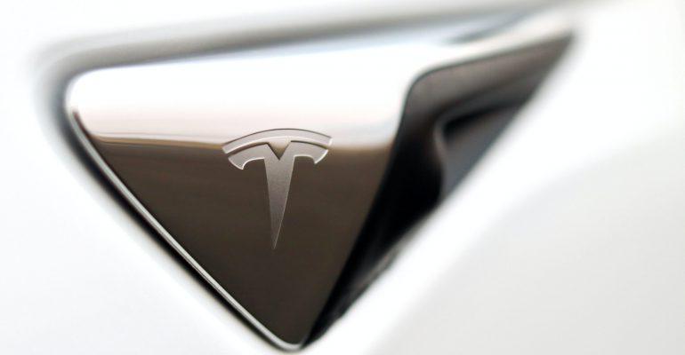 New Tesla Supercomputer To Train Self-Driving AI